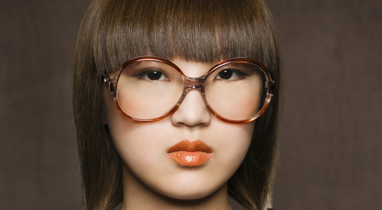 6 Foolproof makeup tips for women who wear glasses